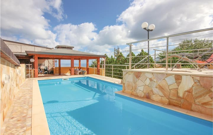 Awesome home in Altavilla Milicia PA with WiFi and 3 Bedrooms