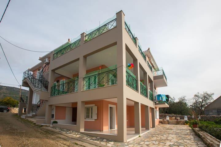 Antonis Kefalonia Apartments - Razata Village