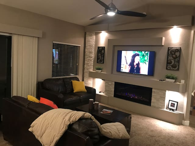 Luxury Unit Located in the Heart of Scottsdale