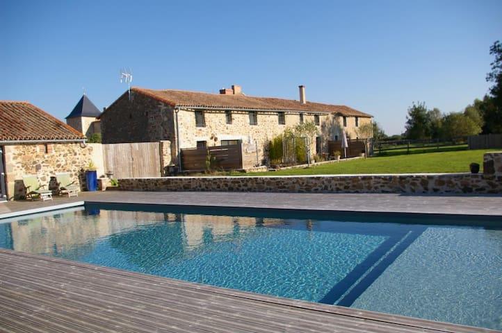 Magnifique maison entre Puy du Fou et Futuroscope