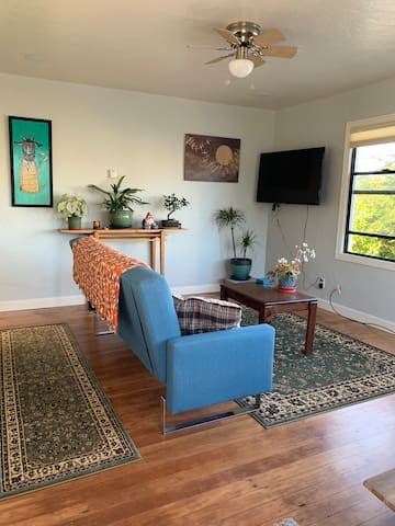 Mother-in-law unit walking distance to Old Town