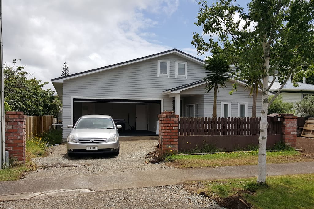 Auckland Family Home 39 N Garden Houses For Rent In Auckland Auckland New Zealand