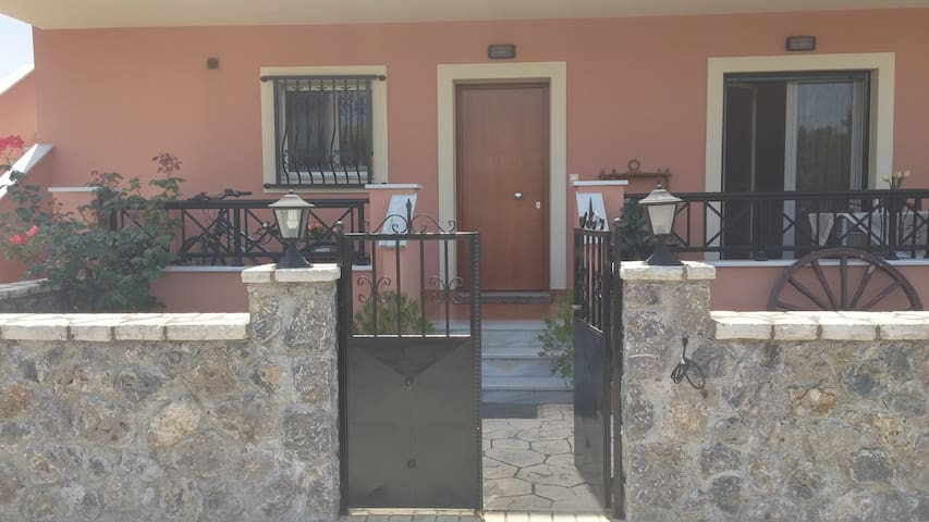 3 Bedroom appartment near Corfu Town - Potamos - Daire