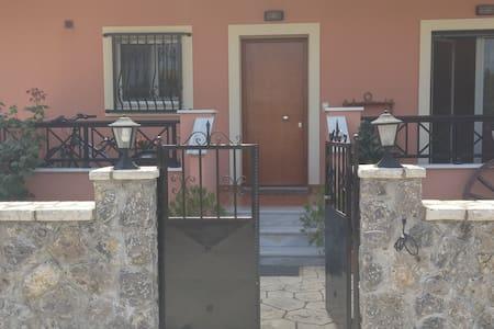 3 Bedroom appartment near Corfu Town - Potamos - Wohnung