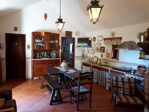 Lina´s Farm House | Rustic Private Cottage