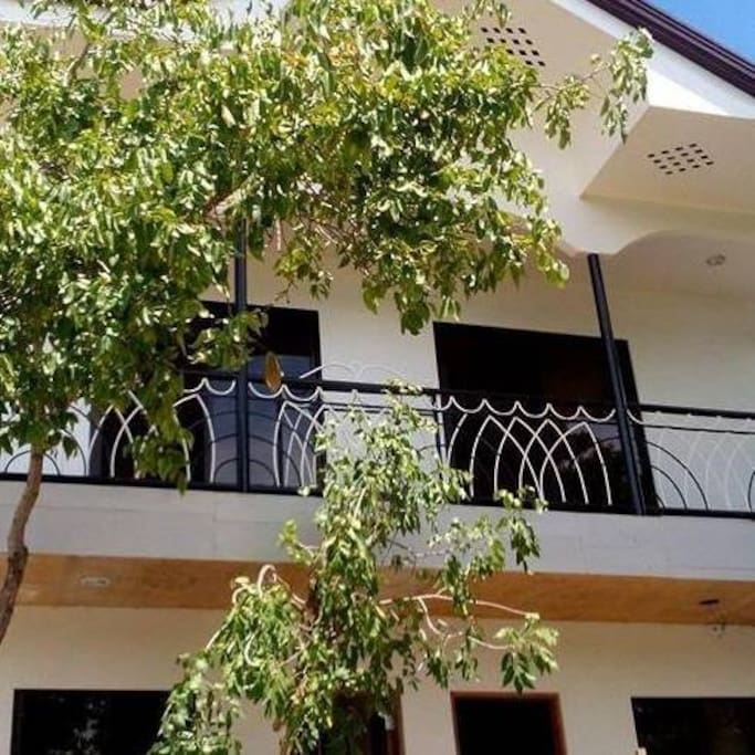 Sea and mountain view foru airconditioned rooms