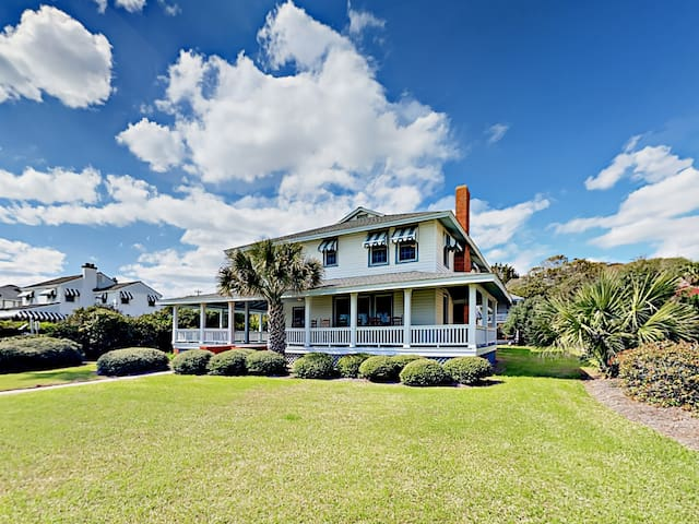 6BR Cottage w/ Wraparound Porch, Next to Beach