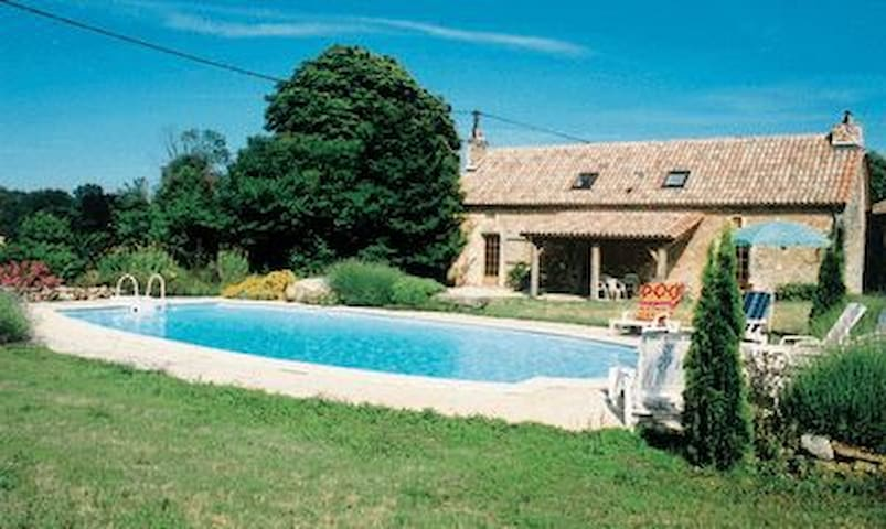 Villa with private pool peaceful surroundings - Savignac-les-Églises - Hus