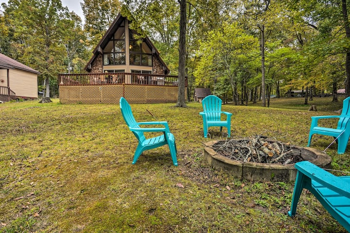 Cozy Dover Home w/Boat Dock, Fire Pit & Deck!