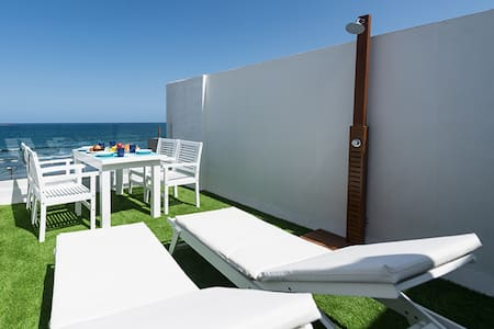 DELUXE HOME, SEA VIEW AND TERRACE