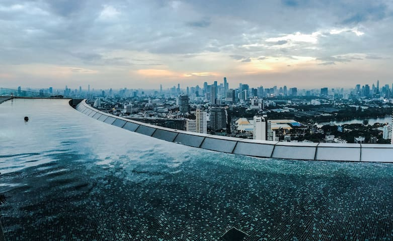 NO.1 ROOFTOP POOL*LUXE 1BR* THONGLOR* LUX CONDO