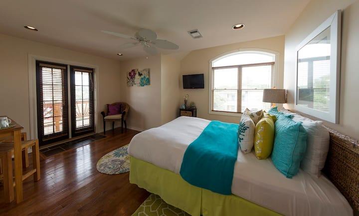 Genivive@Almanett hotel & Bistro  Aquarium & beach
