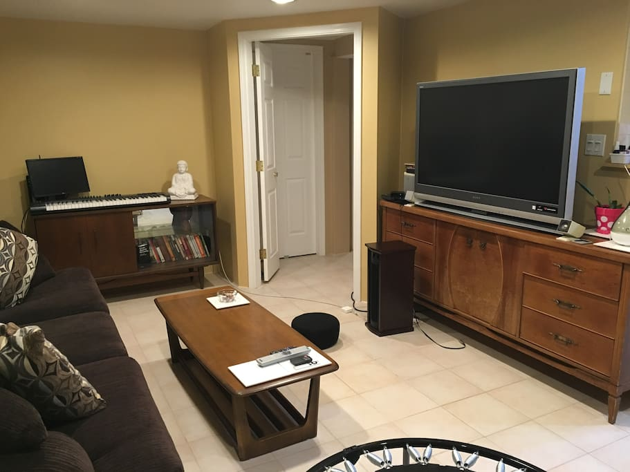 Big HD TV (projection)
