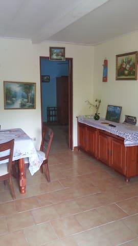 Maison privée située route du prêcheur - Le Prêcheur