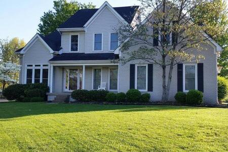 Golf Course Home for Ky Derby! - Prospect - Σπίτι