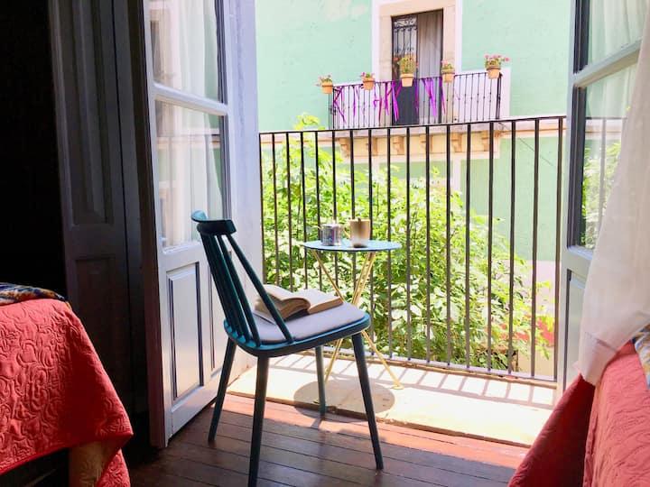 En el Centro/VISTA&Balcón/RELAX/Romance/FRIENDS