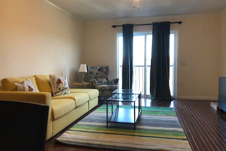 1 Bedroom,1 Bath,1 Full Kit,1 Liv Rm Furnished312