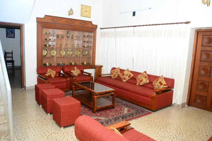 House for Daily Rent @Aristo Rd, Thrissur