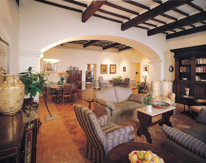Palazzina Cesira the first B and B in Montalcino
