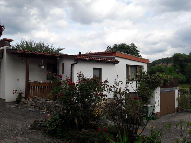 Gemütliche Ferienwohnung mit großer Terrasse