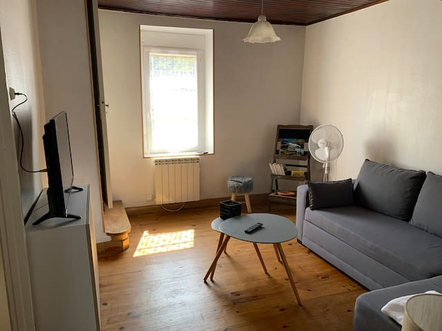 Petite Maison rénovée, toute équipée, au calme