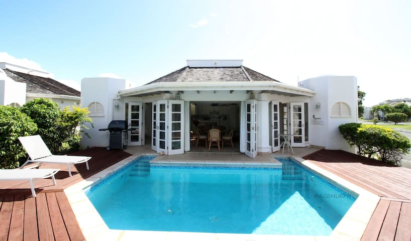 Plantations 2BR Villa & pool, wifi, golf, nature - Lowlands