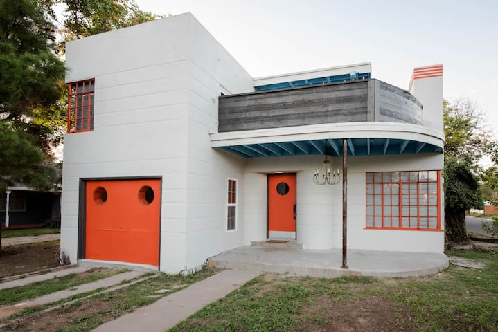 ✺ The Tangerine Dream ✺ 3BR/2BA ✺ Near Tech