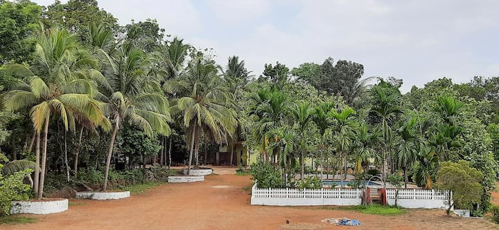 Farm Stay at Pinto Gardens