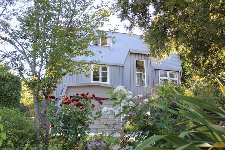 Unique Private Cottage