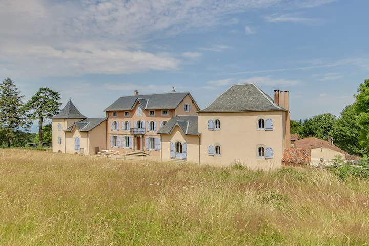 Private estate En Dardé 30