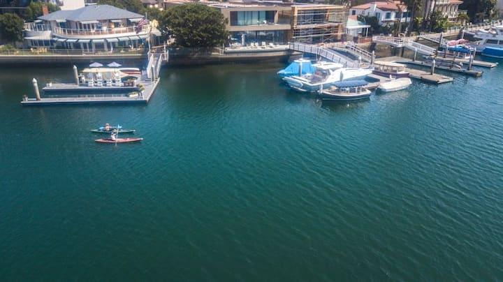Gorgeous Water Front Belmont Shores Getaway!