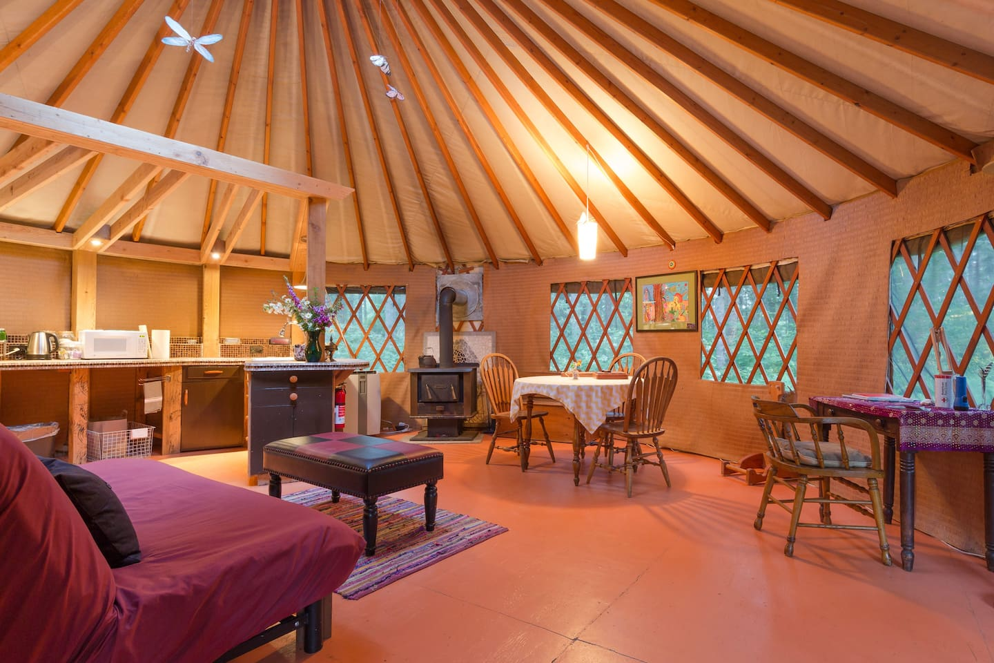 The average cost to stay in this yurt is $112