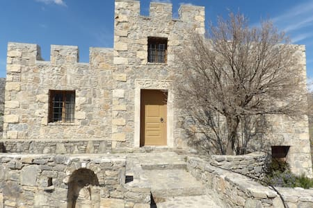 Traditional stone made cretan house - GR - Talo