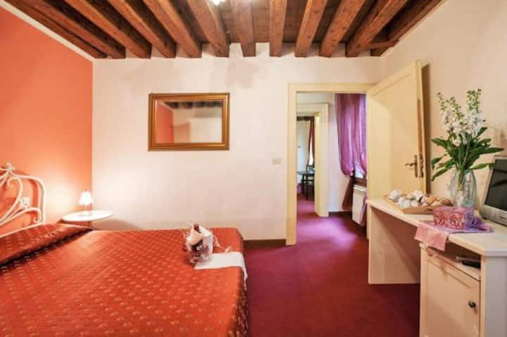 Double Room with Private Bathroom @ MaisonSanMarco