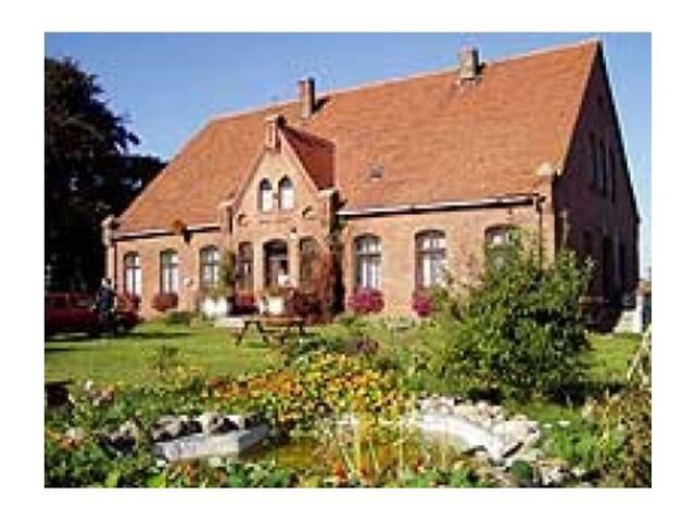 Stara pastorówka nad morzem - Altes Pfarrerhaus