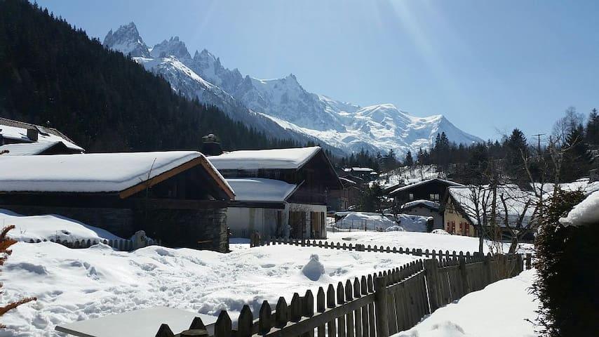 T2 dans hameau pittoresque Vue Mont Blanc