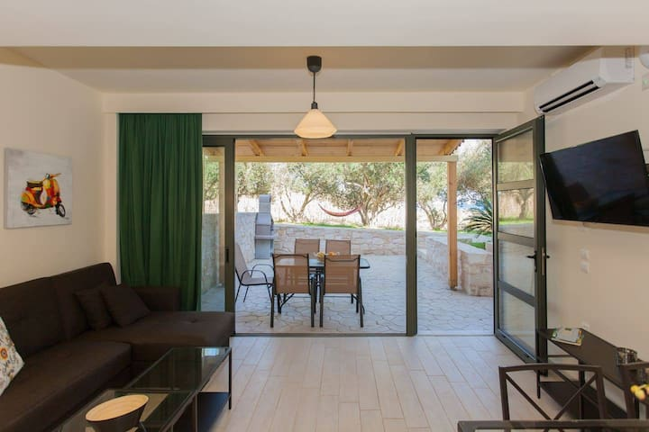 Eva Apartment -Olive Tree Farm 200m from the beach
