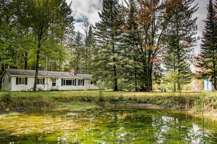 Gilchrist Creek Cabin: Trout, trails & fun for all