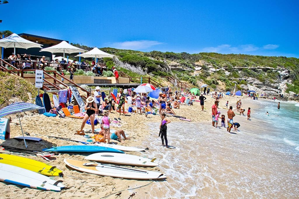 Gnarabup Beach ~ just 500metres from The Break ~ Indoor spa house
