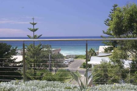 Waterville -Luxury apartment 200mtrs from the sand - North Avoca