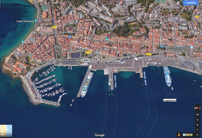 Joli F3 au cœur d'Ajaccio, face au port.