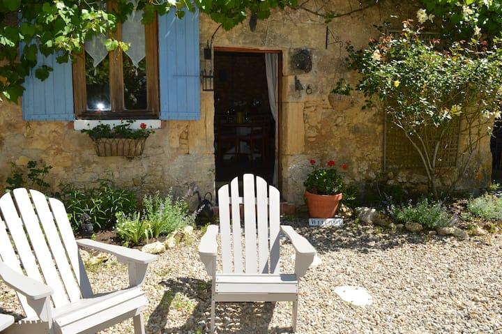 La Petite Maison at Les Girouteaux 4 star cottage
