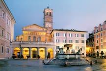 Few steps: Basilica di Santa Maria in Trastevere
