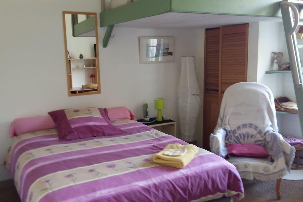 3 gde chambre dans maison de ville villen zur miete in grenoble rh ne alpes frankreich. Black Bedroom Furniture Sets. Home Design Ideas