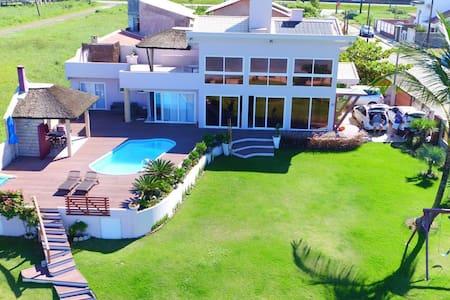 Casa de alto padrão frente ao mar - Barra Velha - Casa