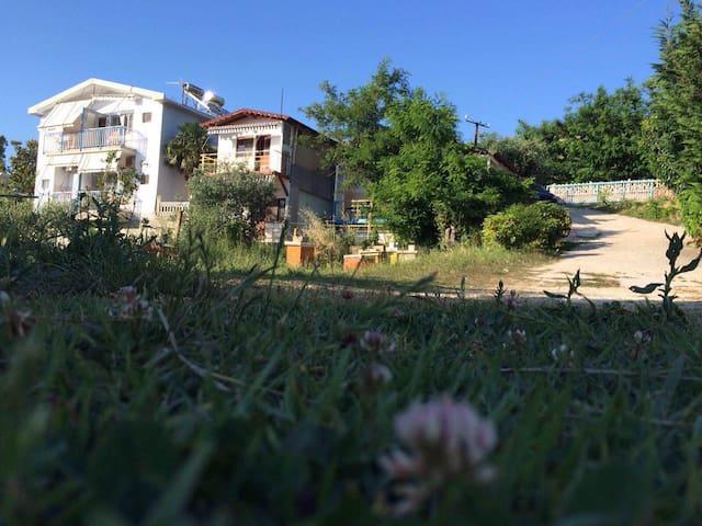 Small apartament in Radhima  beach - Vlorë - Departamento