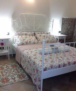 Accogliente casa di campagna - Ghiarole - Bed & Breakfast