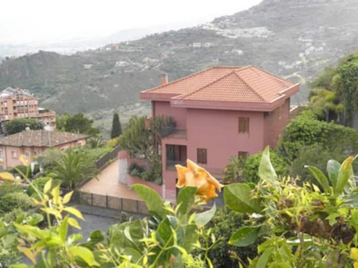 Amazing Villa in Taormina