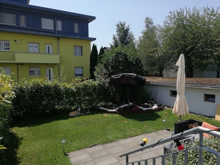Zimmer nahe Flughafen ZRH und Zürich HB mit Garten