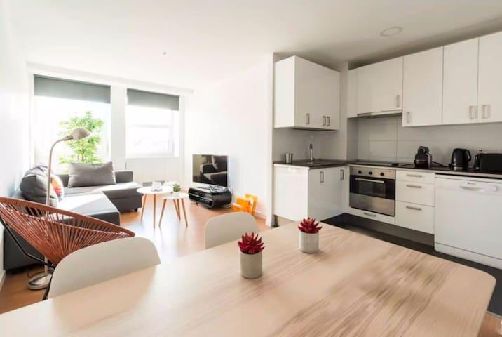 Moderno apartamento en Plaza de España / Gran Vía